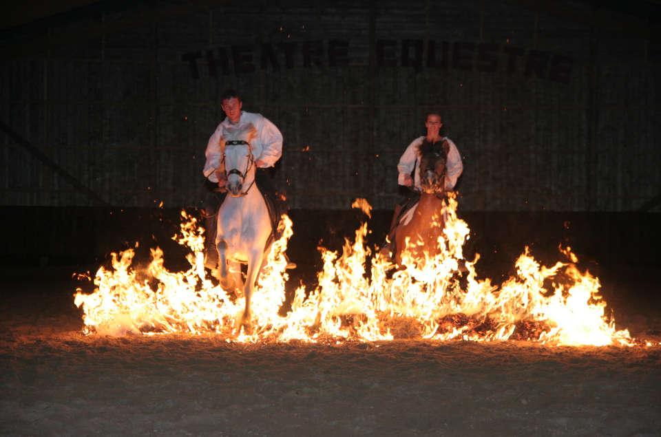 Passage du feu, écurie Castillon